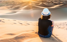 Картинка песок, Девушка, шляпа