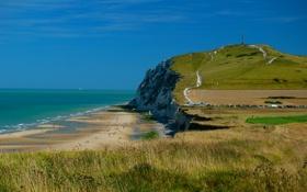 Обои пляж, люди, берег, небо, скалы, вышка, море