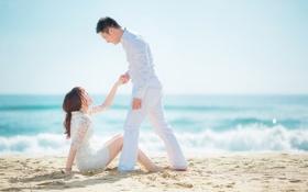 Картинка море, лето, девушка, улыбка, платье, пара, мужчина