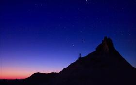 Обои небо, звезды, закат, ночь, скалы, человек, вечер