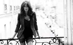 Обои модель, балкон, пиджак, Эмануэла де Паула