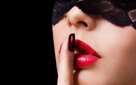 Обои девушка, фон, рука, макияж, губы, ткань, маникюр