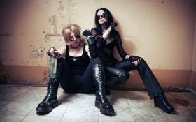 Обои девушки, ситуация, ключ, наручники, Igor Ivanov, Reflecting A Human