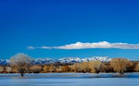 Картинка облака, осень, небо, озеро, деревья, иней, горы