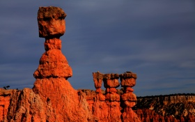Обои небо, камни, скалы, высота, каньон, валуны