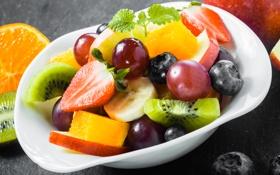 Обои киви, клубника, виноград, банан, десерт, фруктовый салат
