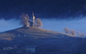 Обои иней, снег, природа, холмы, часовня