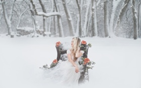 Картинка зима, снег, цветы, платье, блондинка, невеста