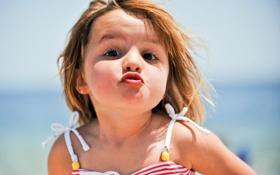 Картинка ребенок, Девочка, смотрит