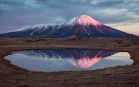 Обои отражения, озеро, гора, вулкан, Камчатка