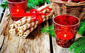 Обои стаканы, веточки, ель, подарки, свечи