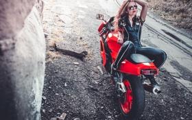 Картинка Girl, Red, Beautiful, Model, Wheels, Brake, Hair