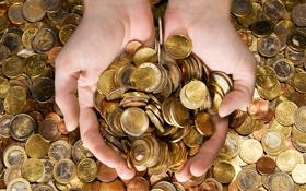 Картинка руки, евро, монеты