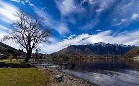 Обои облака, поселок, мостик, горы, небо, озеро, дерево