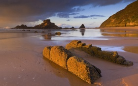 Картинка песок, море, пляж, камни, скалы, Португалия