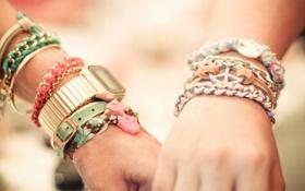 Картинка девушка, часы, руки, парень, браслеты