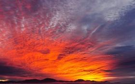 Картинка небо, облака, закат, горы, зарево