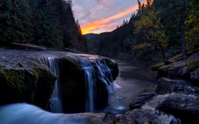 Картинка лес, небо, закат, река, камни, потоки