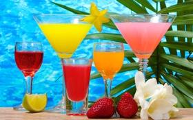 Обои клубника, напитки, бокалы, стаканы, лайм, коктейли, стол