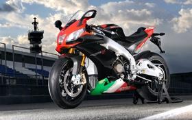 Обои спорт, трасса, вечер, мотоцикл, aprilia, априлия, rsv 4