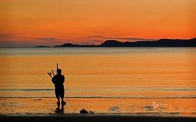 Обои море, пляж, пейзаж, горы, берег, Шотландия, зарево