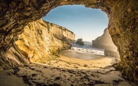 Картинка песок, море, небо, камни, скалы, пещера, грот
