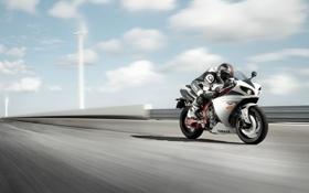 Обои Небо, Облака, Дорога, Скорость, Мотоцикл, Yamaha, Bike