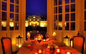 Обои вилла, бокалы, дом, вечер, огни, праздничный, свечи