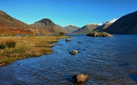 Обои камни, мелководье, синее, горы, снежные, озеро, вершины