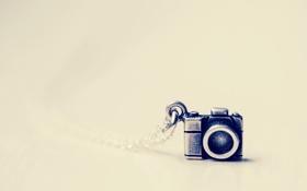 Обои металл, фотоаппарат, кулон, цепочка, фотик
