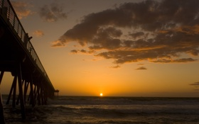 Картинка море, закат, люди, пирс, солнца