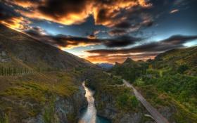 Картинка дорога, небо, трава, пейзаж, закат, горы, природа