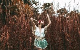 Обои девушка, природа, Stretch, Alexandra Cameron