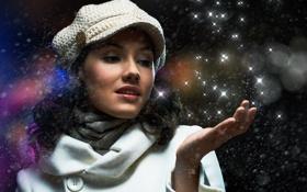 Обои девушка, снег, звёзды, шарфик, пальто, кепи