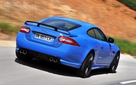 Обои дорога, синий, ягуар, суперкар, спойлер, вид сзади, jaguar