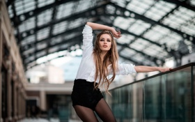 Обои блузка, девушка, танец, движение