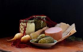 Обои еда, лук, колбаса, композиция, майонез, авоська, зеленый горошек