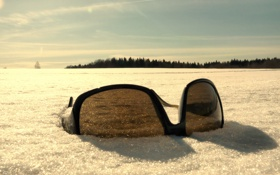 Обои зима, снег, очки