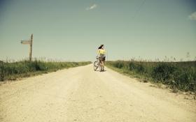 Картинка дорога, небо, девушка, облака, велосипед, ветер, волосы