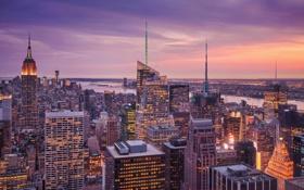Картинка закат, город, огни, река, дома, Нью-Йорк, вечер