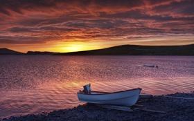 Обои закат, берег, лодка