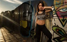 Картинка стена, граффити, луч