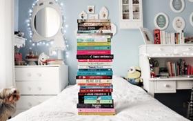 Обои комната, книги, кровать