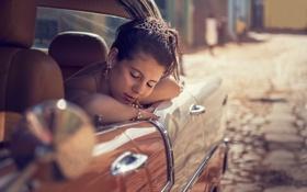 Картинка машина, девушка, город, спит