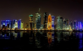 Картинка ночь, город, огни, здания, небоскребы, подсветка, залив