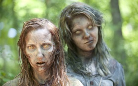 Картинка dark, zombie, forest, women, The Walking Dead