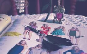 Обои сова, серьги, перья, украшение, цепочка, журнал, мода