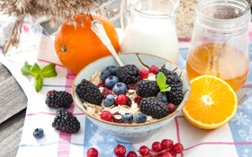 Обои A healthy Breakfast, cereals, muesli with milk and fruit and berries, citrus, хлопья, цитрус, Здоровый ...