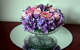 Обои цветы, розы, ваза, герберы, гортензии, гвоздики
