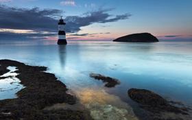 Картинка море, облака, камни, скалы, маяк, вечер
